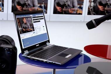 """""""Samsung"""" nešiojamųjų kompiuterių paradas IFA parodoje"""