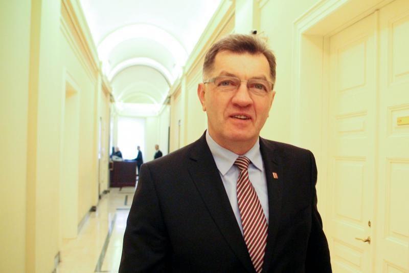 Premjeras: sprendimas dėl lietuviškų mokyklų turi būti ekonomiškas