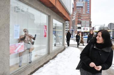 Menas nušvito Klaipėdos senamiesčio languose
