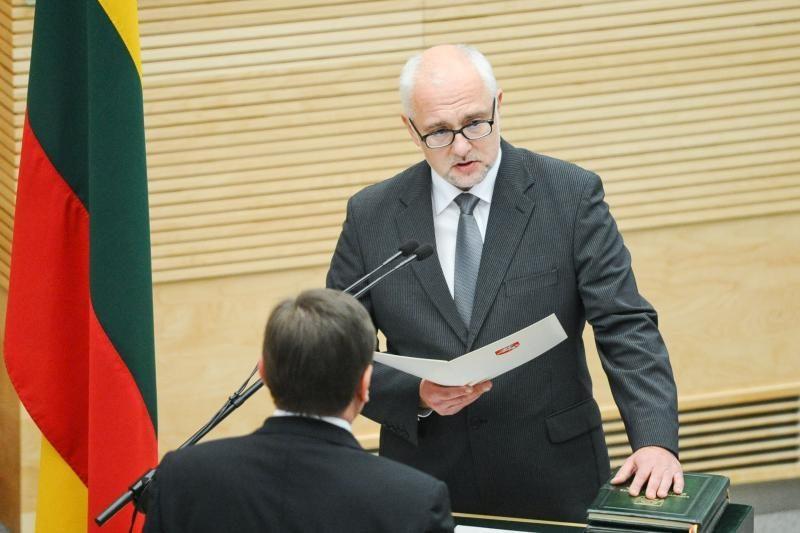 D. Pavalkis žmonos bylos nelaiko kliūtimi būti ministru