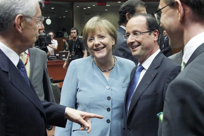 Spauda: ES viršūnių susitikime F.Hollande'as nustelbė A.Merkel