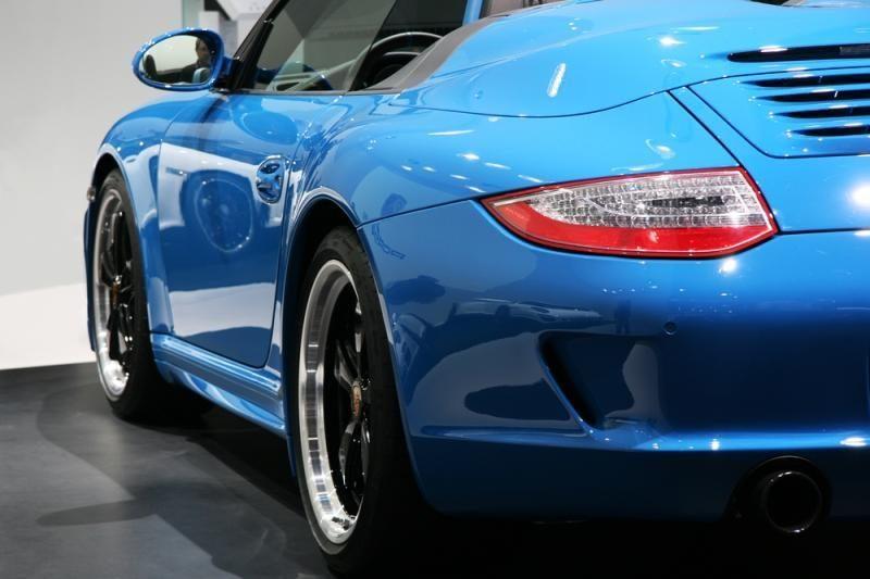 """""""Porsche"""" automobilių populiarumas auga kaip ant mielių"""