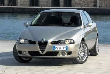 Kokie automobiliai labiausiai genda?