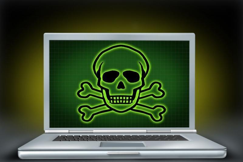 Nuo programišių atakos nukentėjo virtualus baldų salonas
