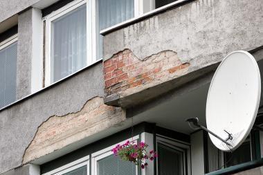"""Balkonų """"alpinistas"""" atsidūrė ligoninėje"""