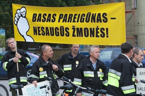 Policijos pareigūnai ketina protestuoti