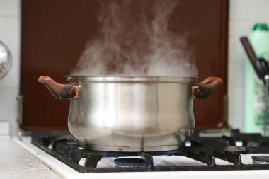 Darželyje sriuba apiplikytos mergaitės tėvai ketina bylinėtis