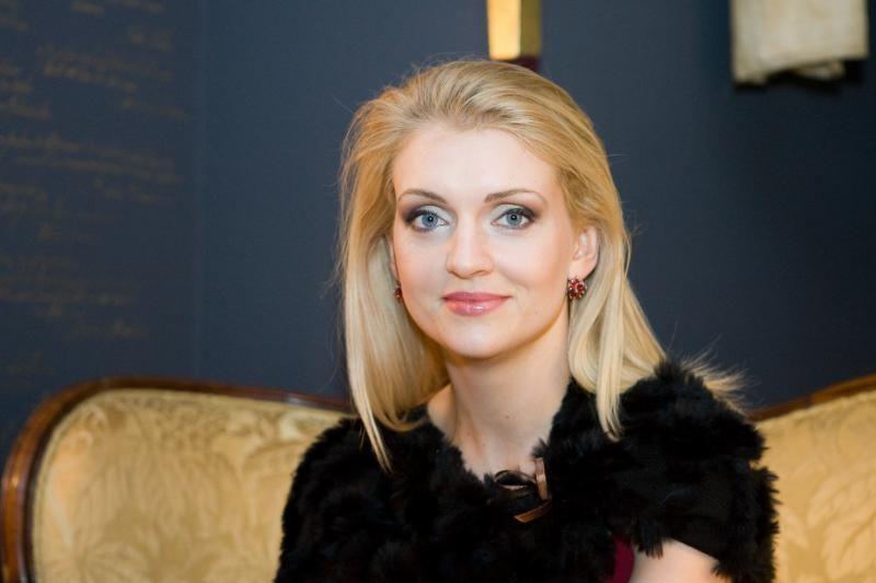 Dainininkė R. Ščiogolevaitė ir vėl susižadėjo