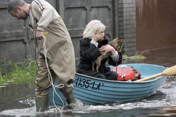 Lietuvoje žmonės vangokai aukoja nukentėjusiems nuo potvynio Lenkijoje