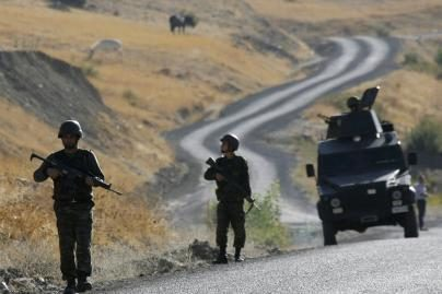 Turkijos pietryčiuose per kurdų sukilėlių ataką žuvo šeši kariai