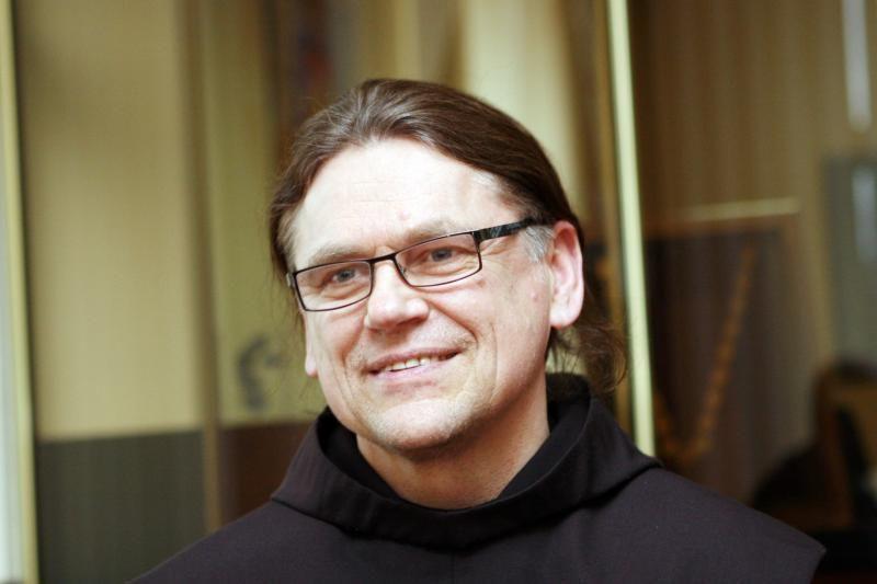 Klaipėdos vėliavą už metų darbą valdžia įteiks vienuoliui