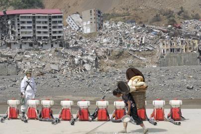 Kinijoje vėl drebėjo žemė