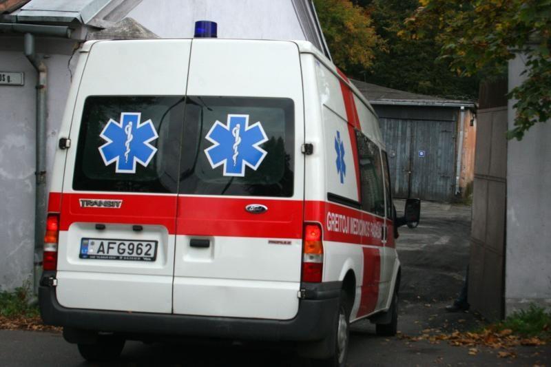 Panevėžyje per avariją apgadinti 5 automobiliai, sužalota 14-metė