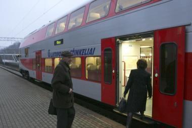 Naktį šėlusi audra sudarkė traukinių tvarkaraščius