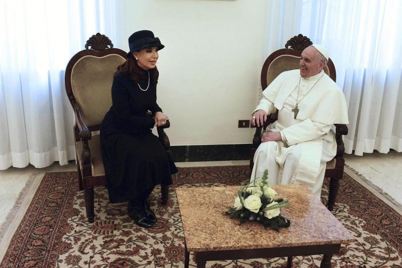 Vatikane Argentinos prezidentė pietavo su savo tautiečiu popiežiumi