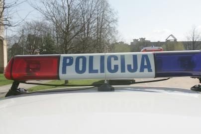 Neblaivus policininkas sukėlė avariją