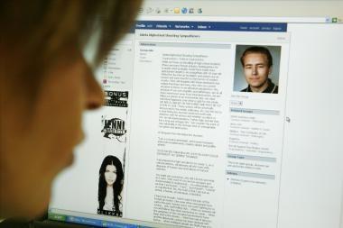 """Lietuva – nauja rinka """"Facebook"""" vartotojų tykantiems sukčiams"""
