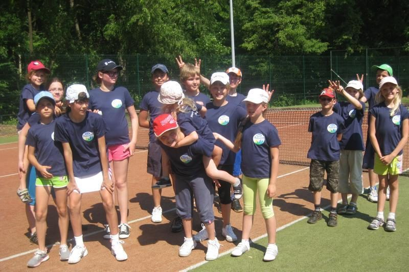 Vasarą vaikams siūloma pramokti žaisti tenisą