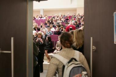 Streikuoja aukštųjų mokyklų darbuotojai
