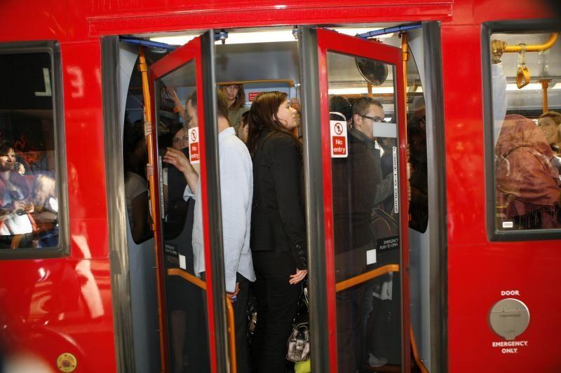 Londono metro atsiras mobilusis ryšys