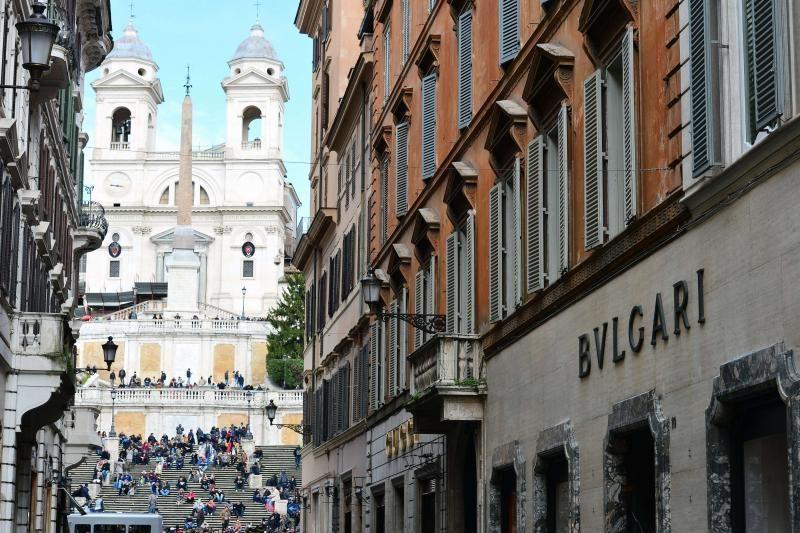 """Italijos policija areštavo kompanijos """"Bulgari"""" vadovų turtą"""