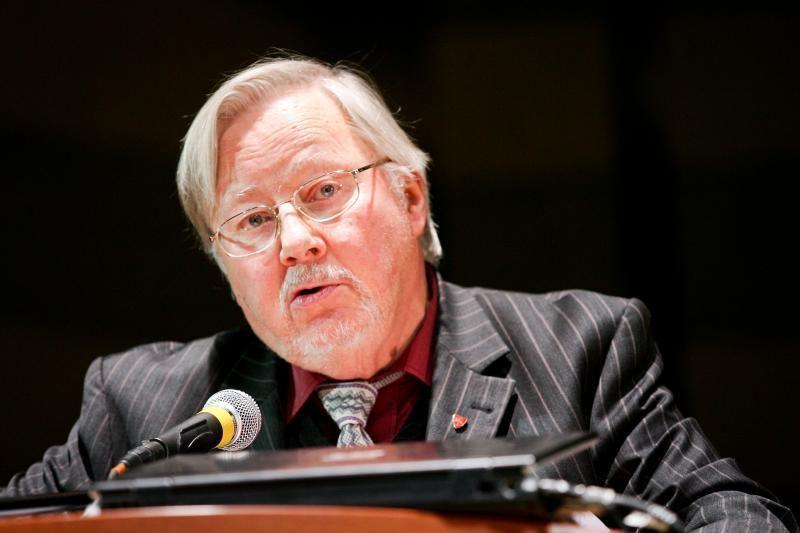 V.Landsbergis: nenoriu komentuoti to, kur V.Adamkus yra neteisus