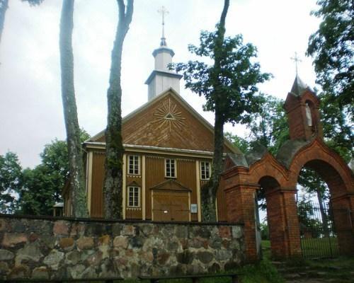Po gaisro Labanoro bažnyčioje likę daiktai tapo paveikslais