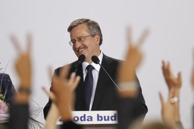 Naujajam Lenkijos prezidentui B.Komorowskiui pergalė gali greitai apkarsti