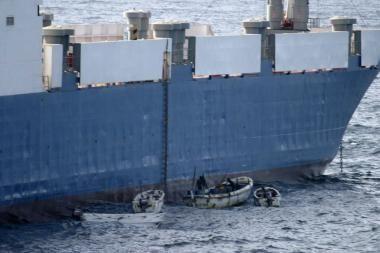 Susišaudžius Somalio piratams, 3 žmonės žuvo