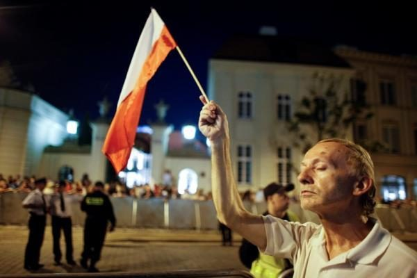 Varšuvoje mėgino susideginti moteris