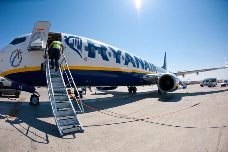"""""""Ryanair"""" maistas kainuoja brangiau nei skrydis"""