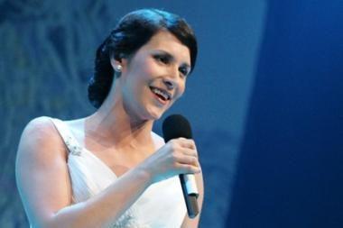 """Gripas """"Carmen"""" premjeros nesugriovė: susirgusią I.Prudnikovaitę gelbėjo solistė iš Latvijos"""