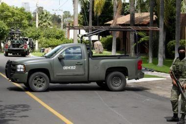 Meksikoje per kariuomenės susirėmimą su gaujų nariais žuvo 25 žmonės