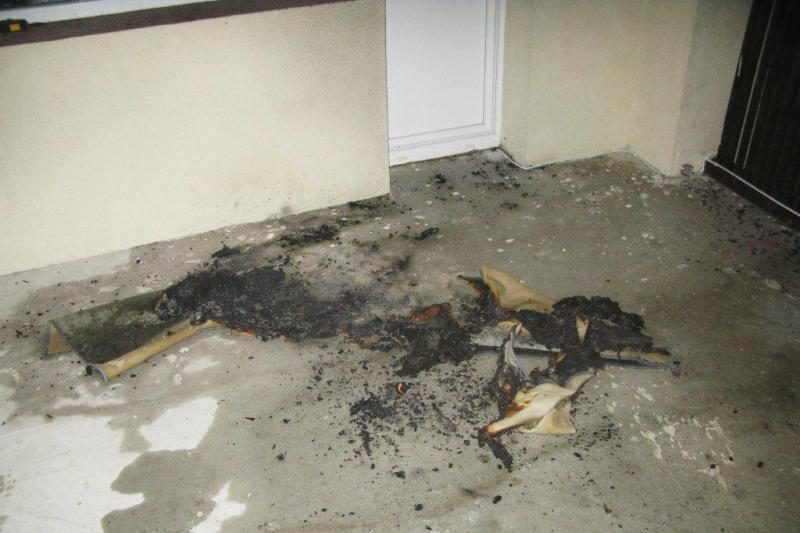 Balkoną Ringauduose padegę įtariamieji – jau sugauti