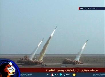 Iranas per karines pratybas paleido daugiau raketų