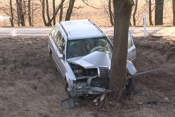 Klaipėdos r. dėl slidaus kelio nesuvaldytos dvi mašinos
