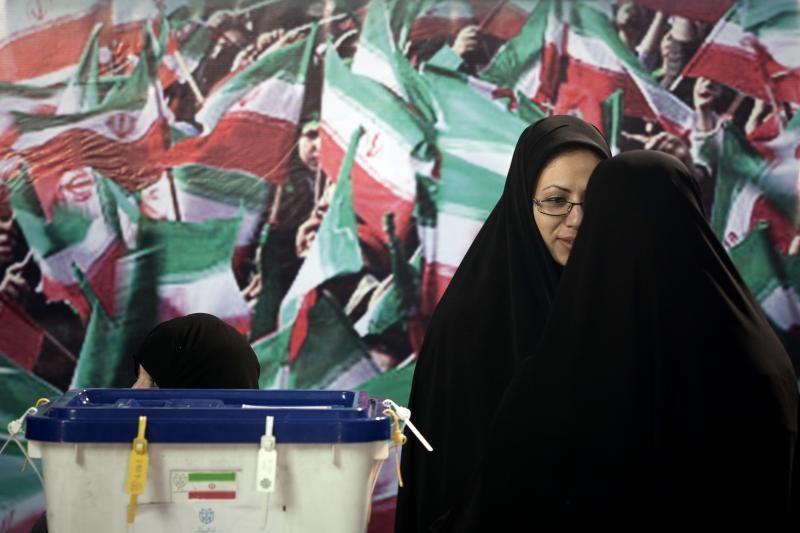 Irane penktadienį prasidėjo parlamento rinkimai