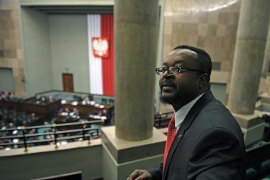 Lenkijoje - pirmasis juodaodis įstatymų leidėjas, gimęs Nigerijoje