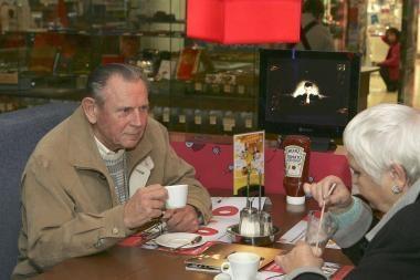 Senjorai kviečiami puodeliui kavos