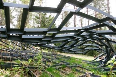 """Europos parke bus atidengta nauja skulptūra """"Burtininkas"""""""
