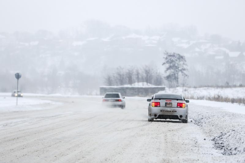 Vairuotojai Žemaitijos keliuose raginami būti atsargūs