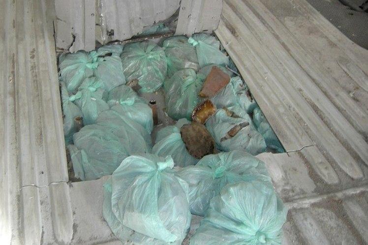 Rusas į Lietuvą mėgino nelegaliai įvežti 133 kg gintaro žaliavos