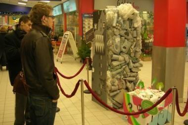 Rūšiuoti atliekas kviečia atliekų skulptūros