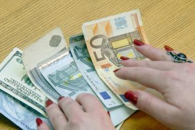 Kodėl keičiant valiutą prašo asmens identifikavimo dokumentų?