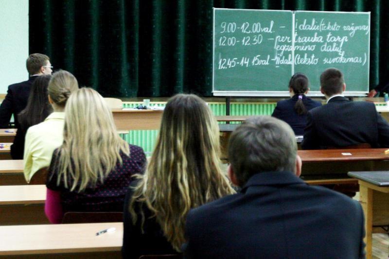 Dėl lietuvių k. egzamino lenkų atstovai reikalauja 8 metų laikotarpio