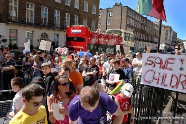 Londono ir Dublino lietuviai dar kartą pareiškė savo nuomonę dėl D.Kedžio dukters (papildyta)