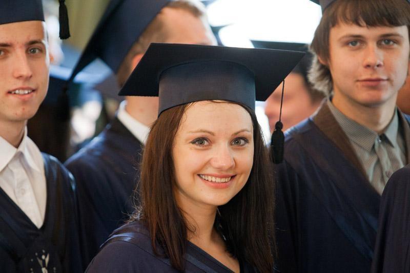 Studentai su valstybe galės atsiskaityti per ilgesnį laiką