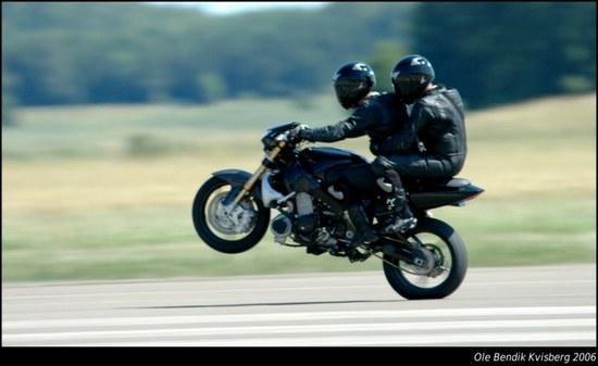 """Motociklininkų gyvybes galėtų išsaugoti """"saugos rutuliai"""""""