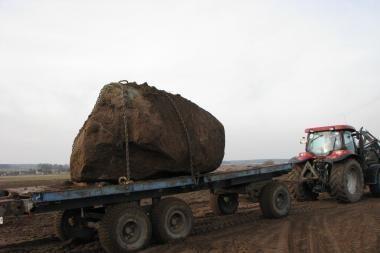 Etnokosmologijos muziejui – akmuo iš Skuodo rajono
