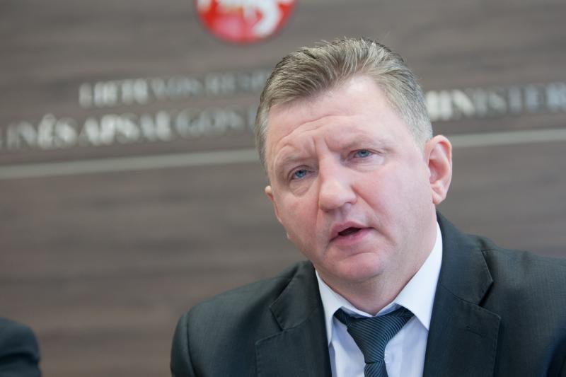 VTEK: D. Bitaitis nesupainiojo interesų